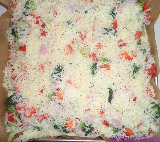 Brokkoli-Schinken Auflauf-Vorbereitung-mit Käse