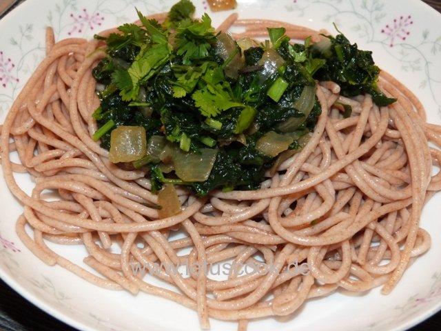 Dinkel Vollkornspaghetti mit Spinat