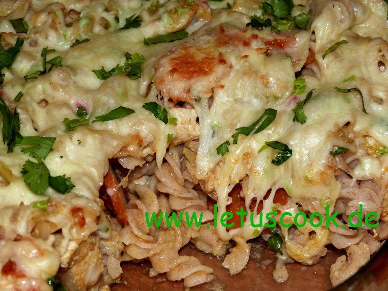 Fleisch-Gemüse-Nudel-Auflauf