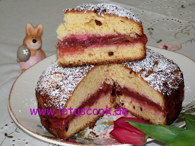 Osterkuchen-Paska mit Rhabarbermus