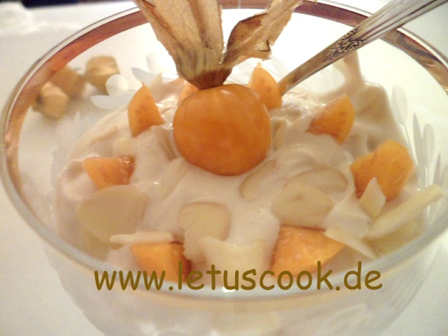 quark-physalis-dessert