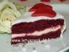 Roter Samtkuchen mit Frischkäsefüllung