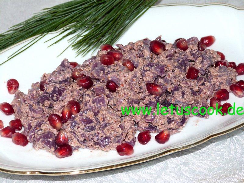 Rotkohl-Walnuss Salat