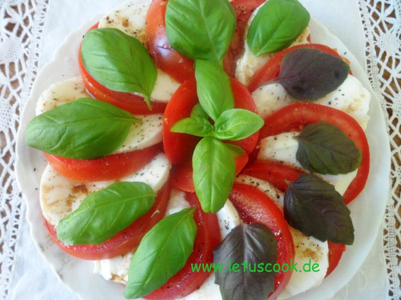 Salat  Caprese  - Tomaten-Mozzarella salat