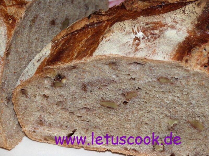 Vollkorn-Walnuss Brot