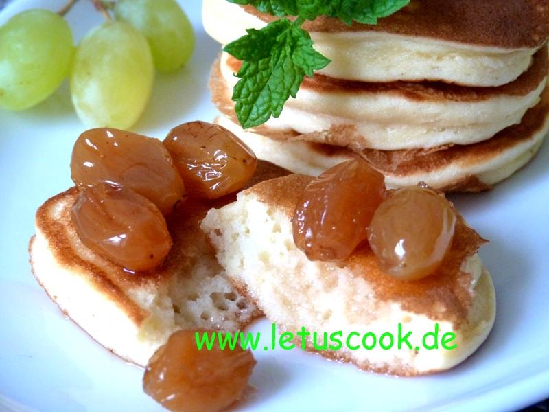 Pancakes mit Weintraubenmarmelade