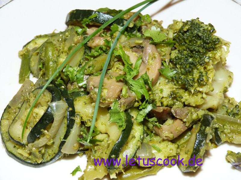 zucchini-brokkoli-salat