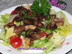 Auberginen-Haehnchen-Eisbergsalat