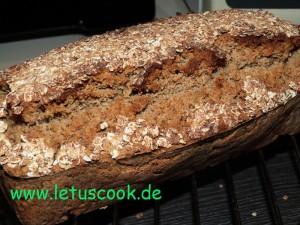 Glutenfreies Hafer-Hirse-Walnussbrot