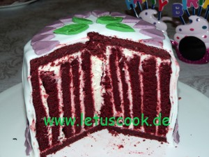 Red Velvet Wickeltorte